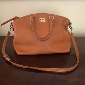 Authentic leather Dooney & Bourke bag